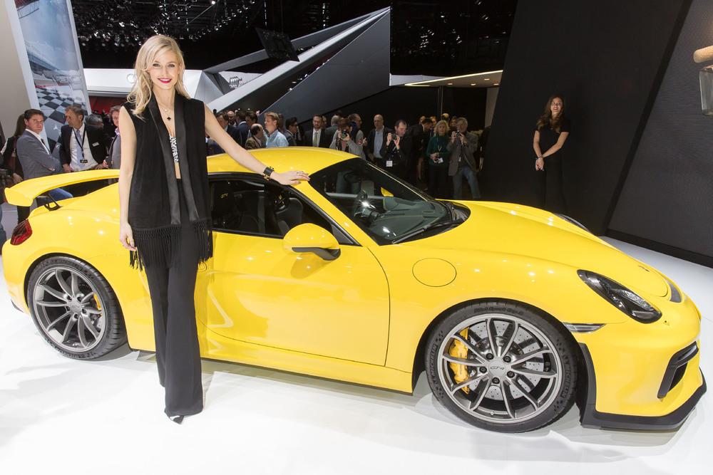 Porsche: oltre 14.800 consegne a febbraio