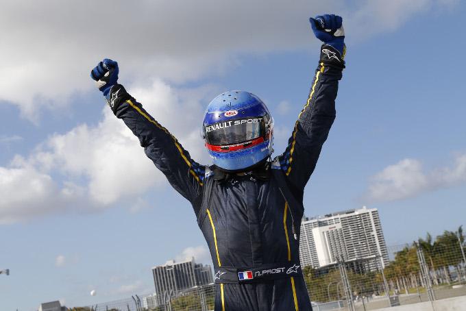 Formula E: prima vittoria per Prost