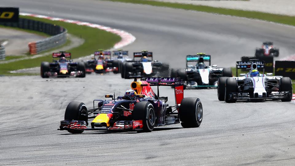 Motori Renault: tempi lunghi per i problemi