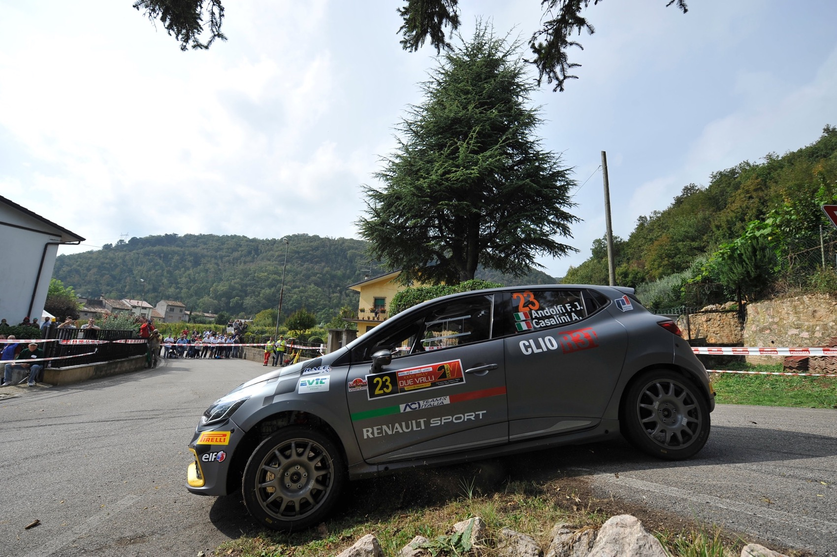 Trofei Renault Rally al via