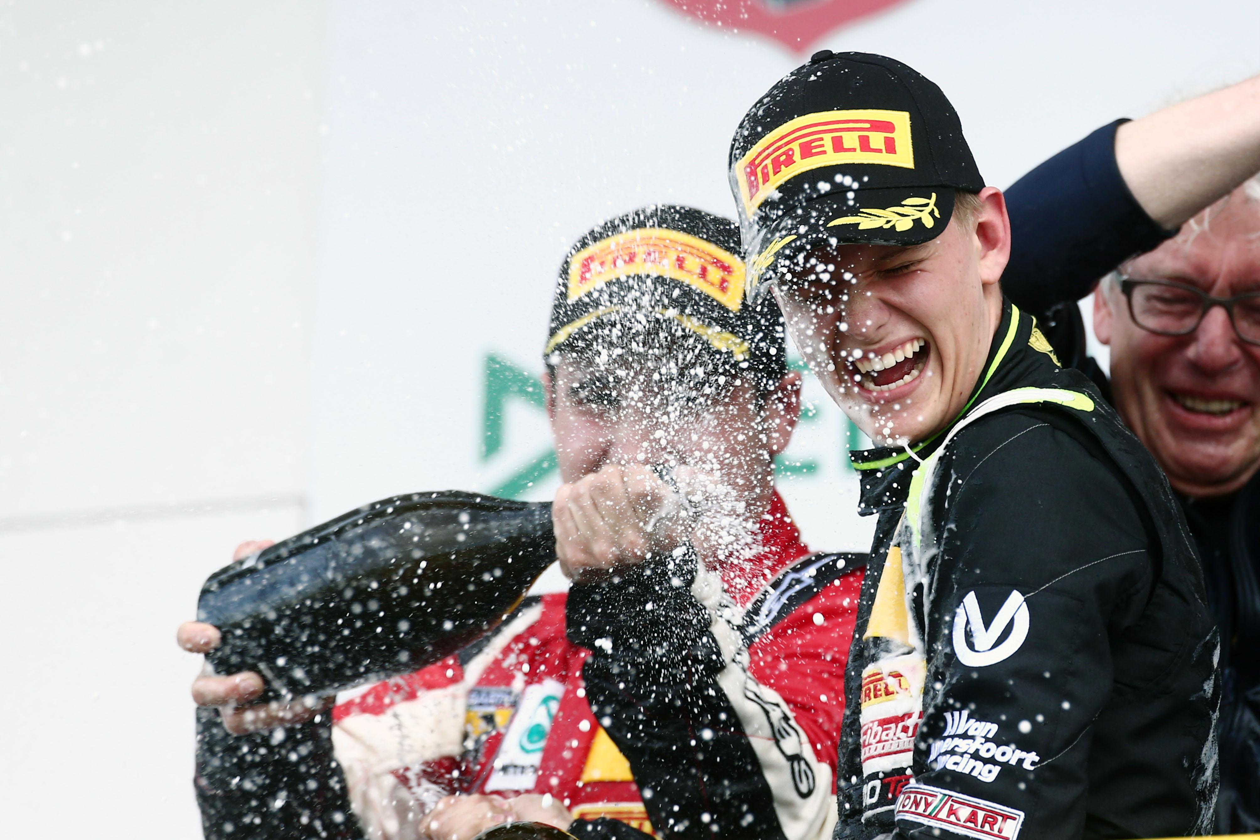 F4: prima vittoria per Mick Schumacher