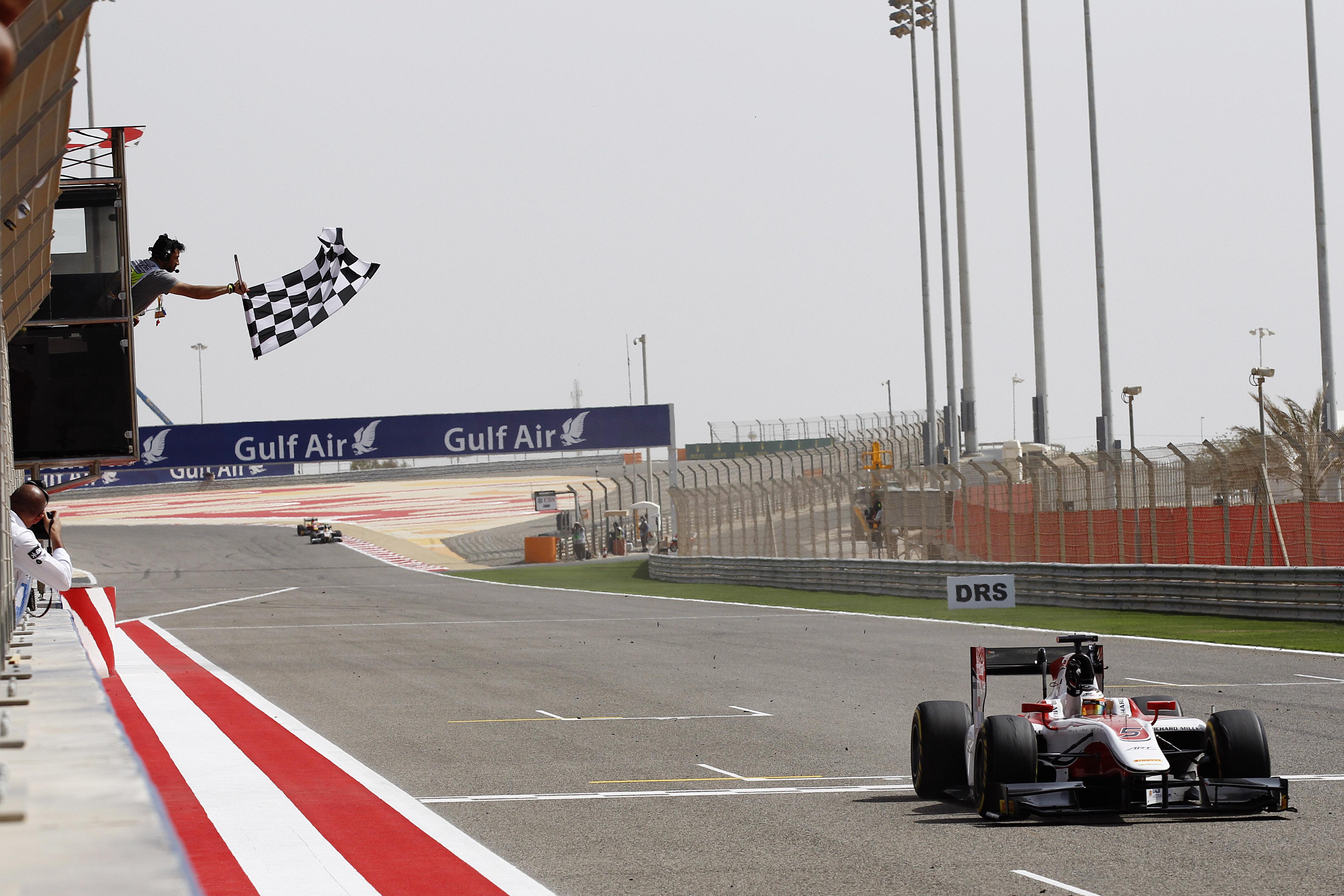 GP2: Vandoorne fights back for crushing win