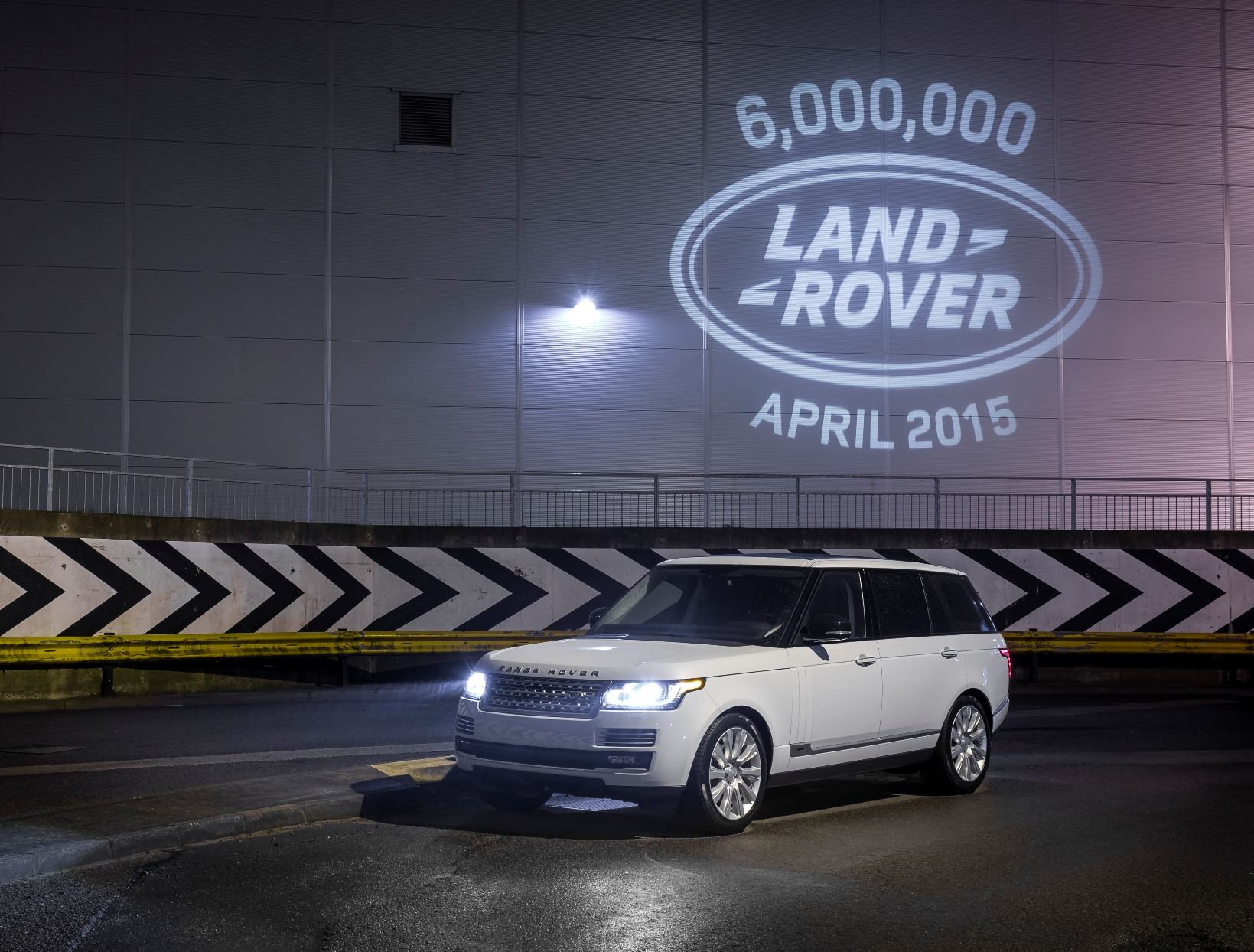 Land Rover a quota 6 milioni