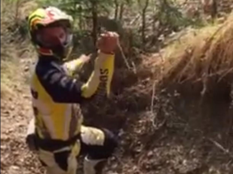 Torna l'incubo dei cavi di acciaio contro i motociclisti