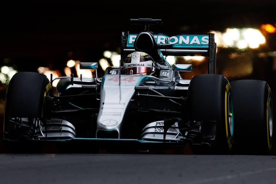 Monaco: Hamilton più veloce nel giovedì piovoso