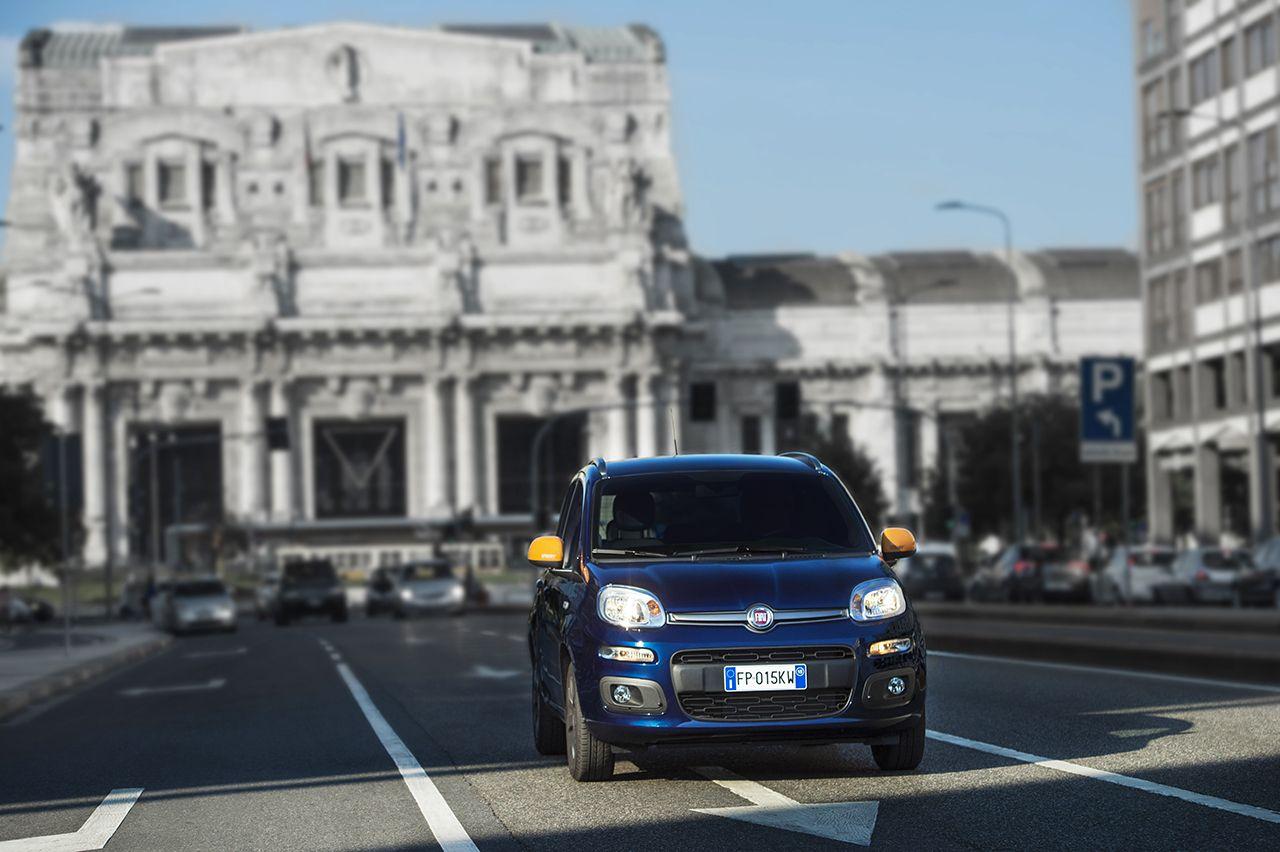 Fiat Panda K-Way® sfila nel cuore di Milano