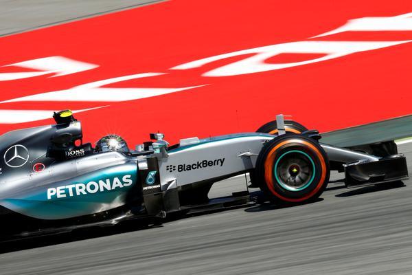 Spagna: prima pole 2015 per Rosberg