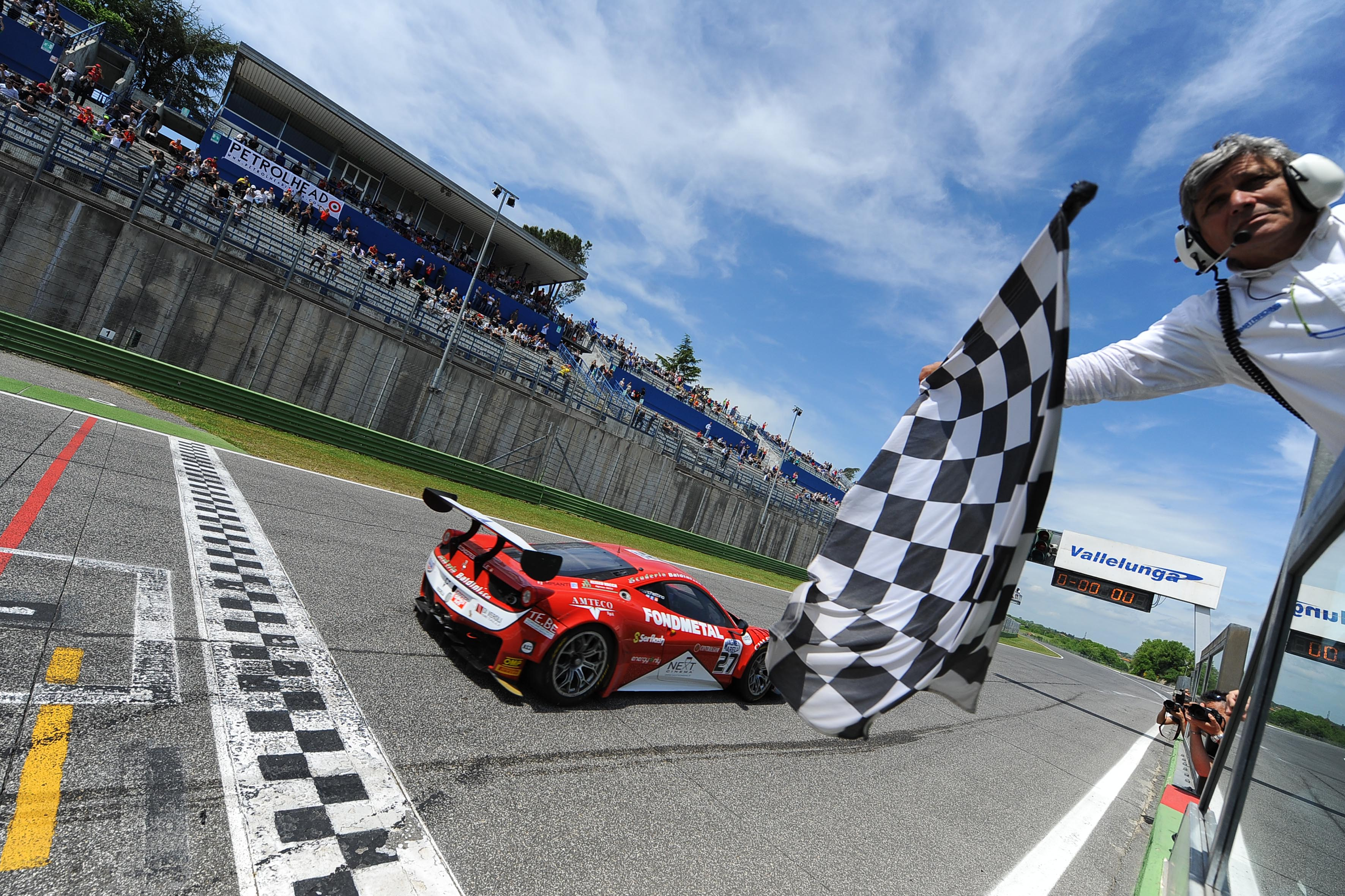 GT: il weekend Ferrari a Vallelunga