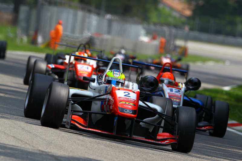 ACI RACING WEEKEND: 6 gare oggi, 10 domani