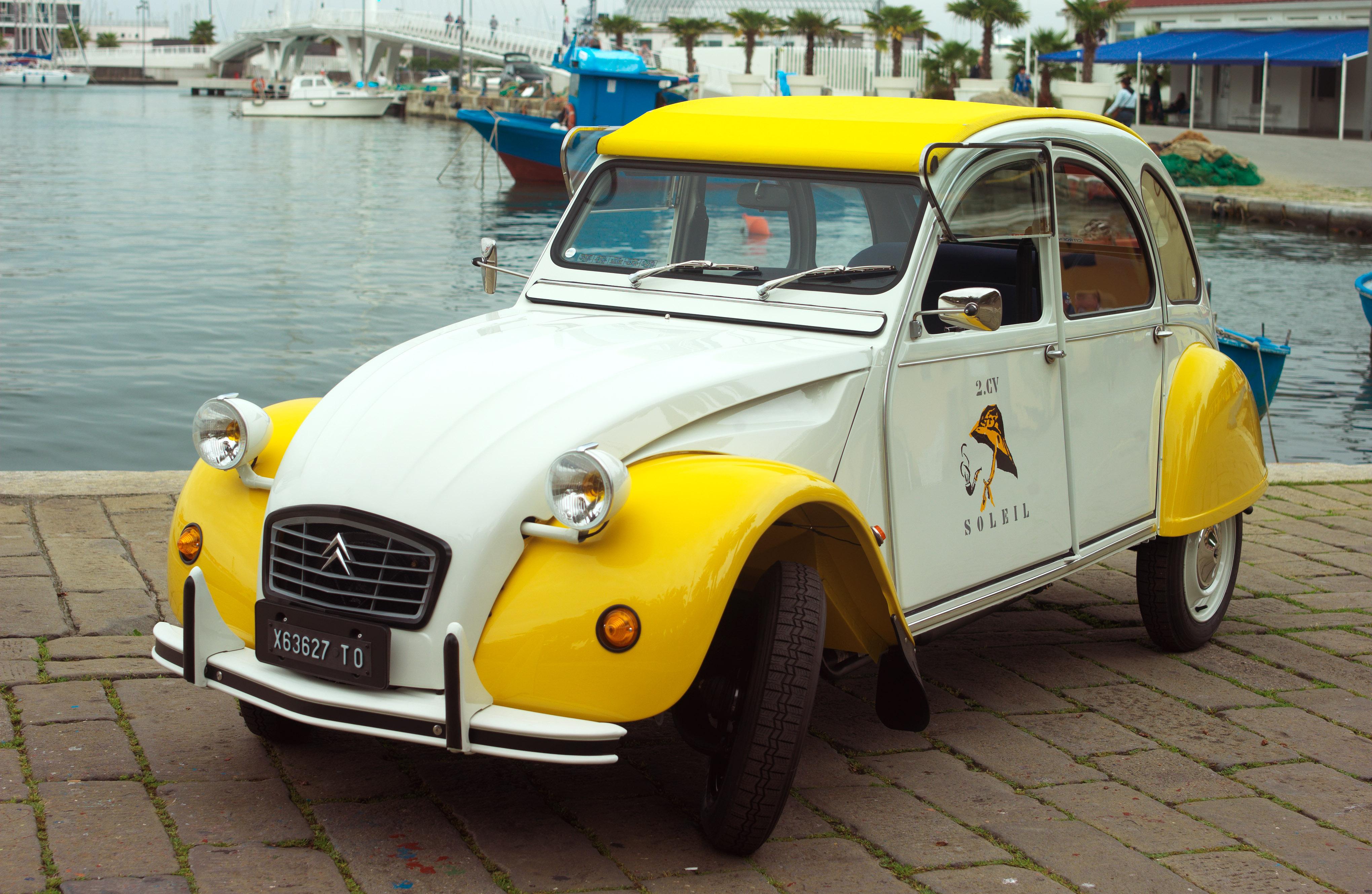 Citroën 2CV Soleil, una serie davvero speciale