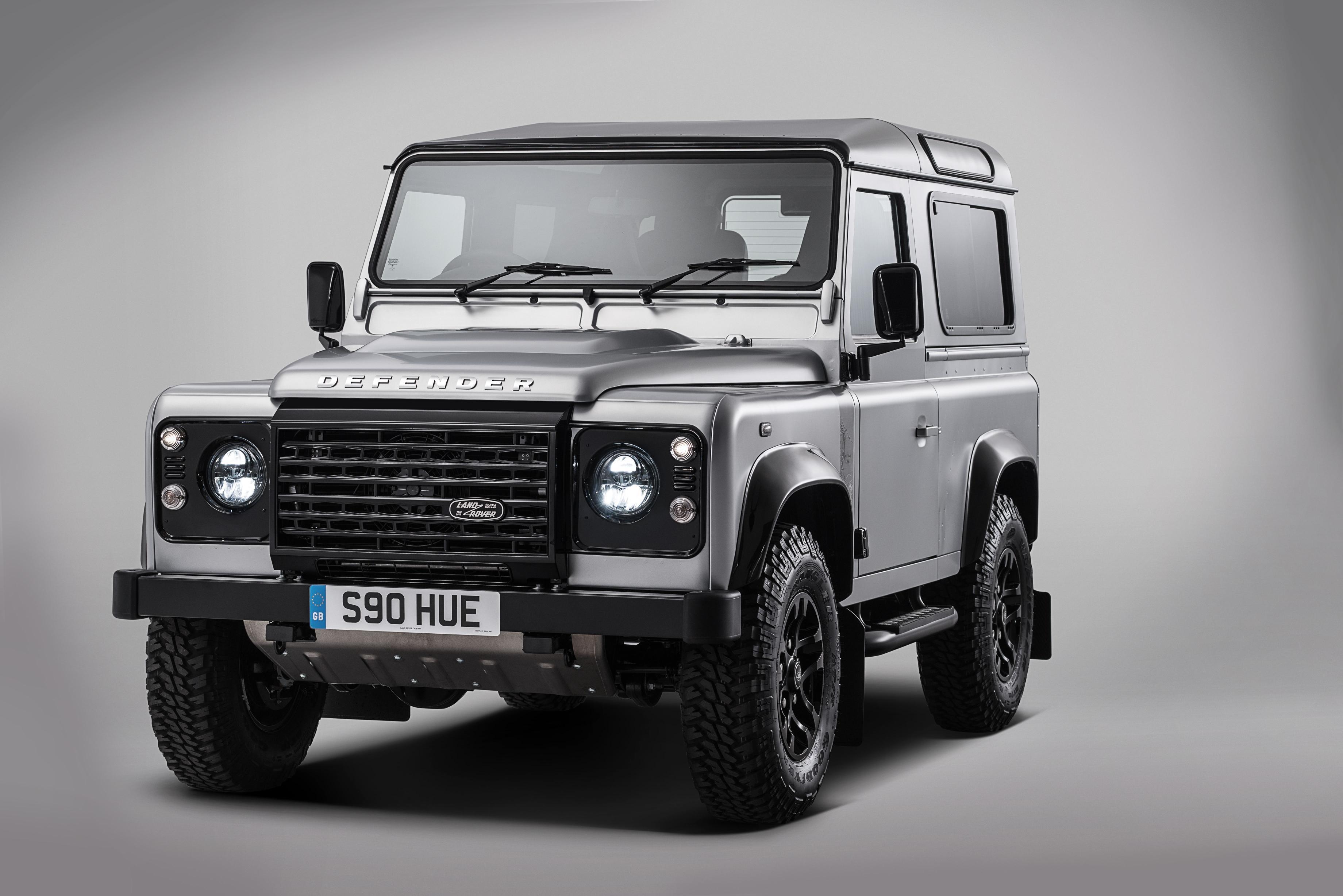 """Land Rover """"Defender 2.000.000"""""""