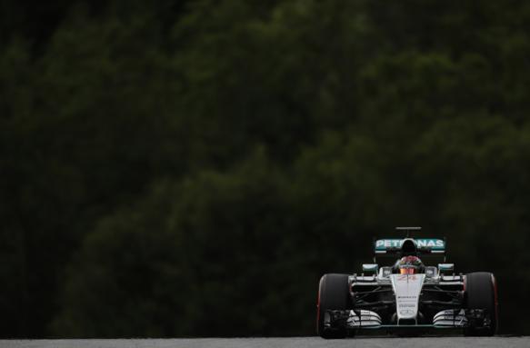 Test F1: Mercedes-Wehrlein davanti a tutti