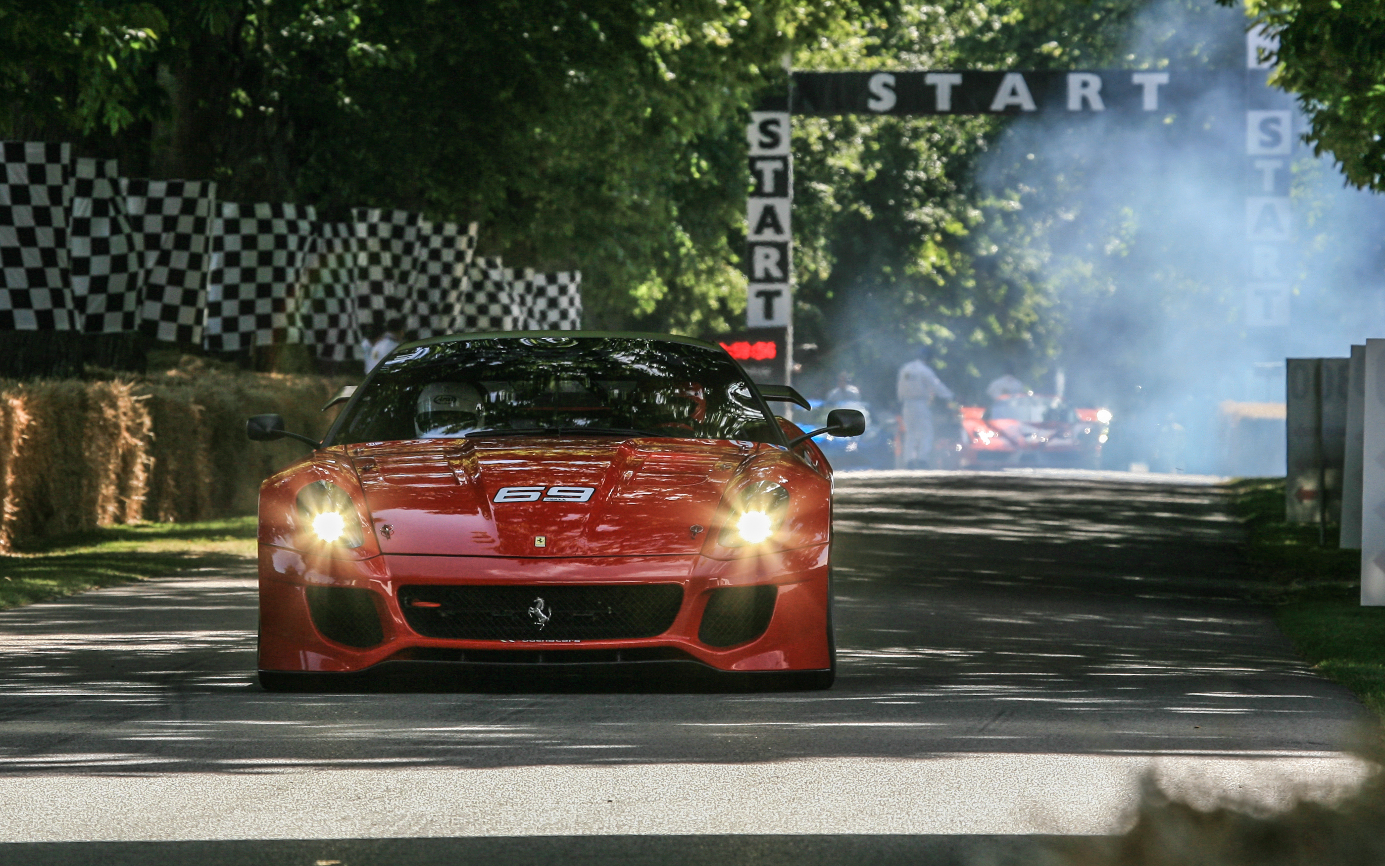 Goodwood: Arnoux guida la 599XX