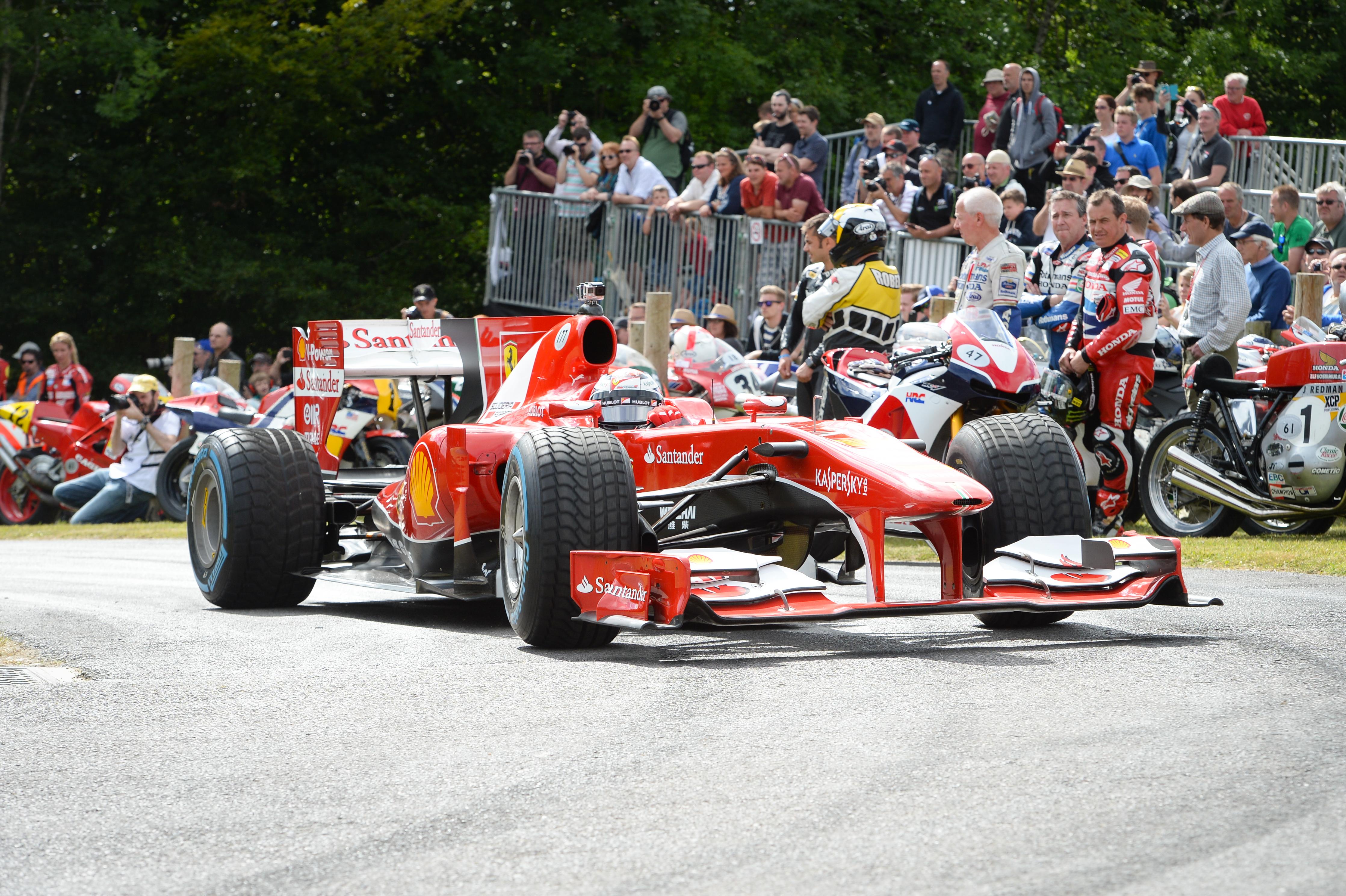 Kimi e la Scuderia a Goodwood