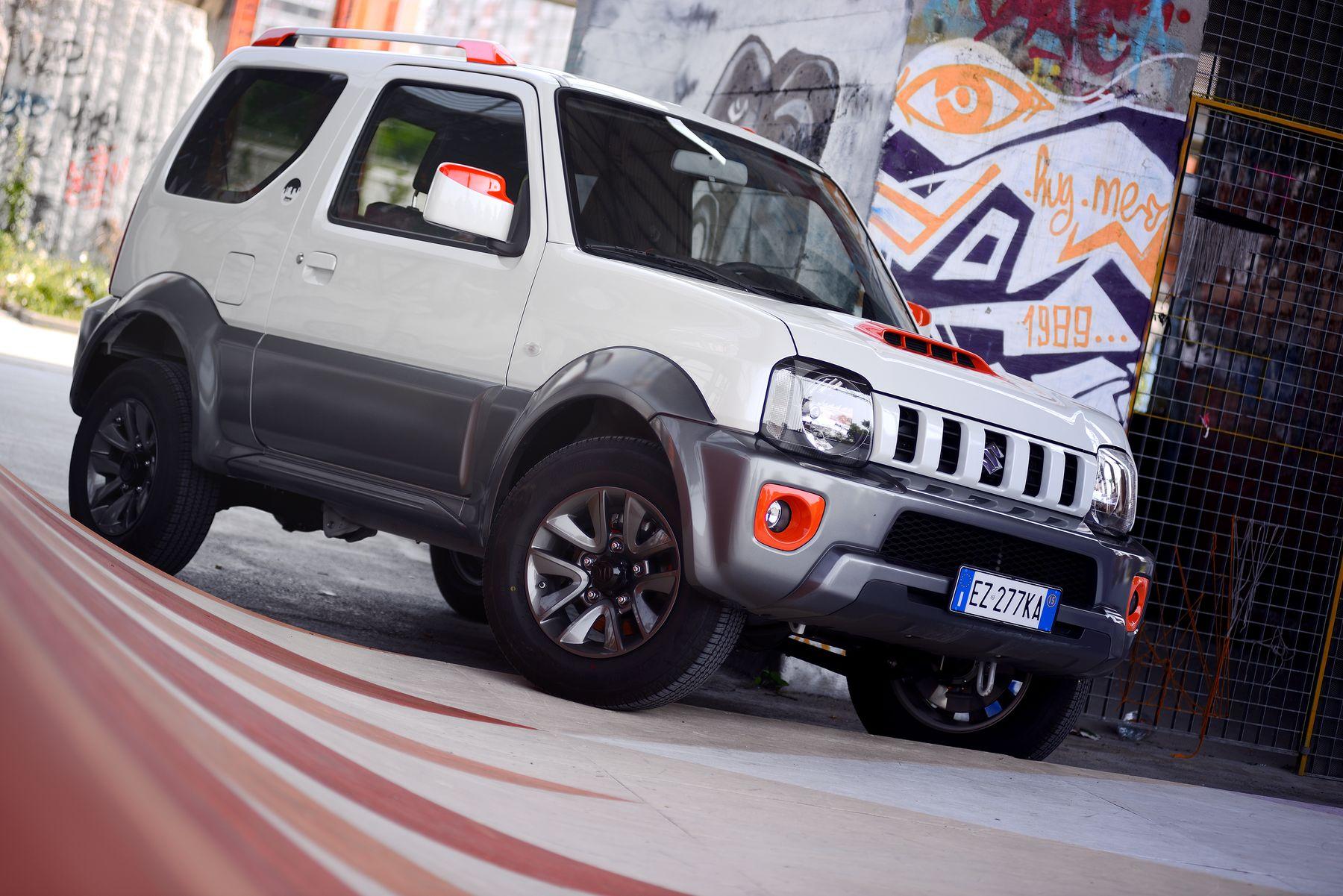 Suzuki Jimny Street sfida la città