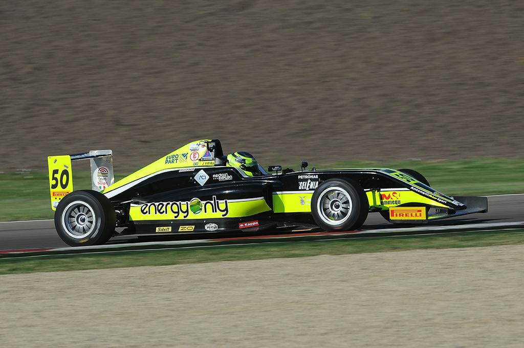 F4: podio e rimonta per Joao Vieira a Imola