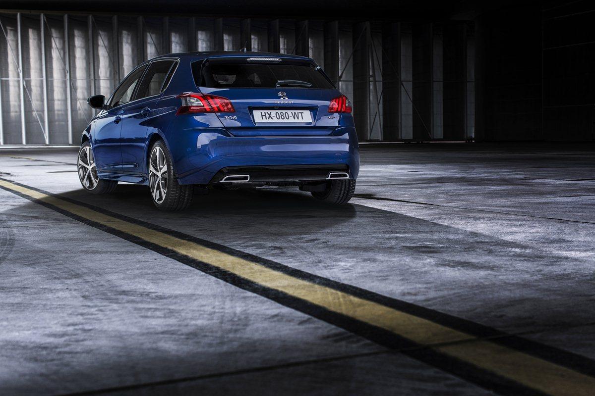 Peugeot Driving Experience: il Leone vi aspetta!