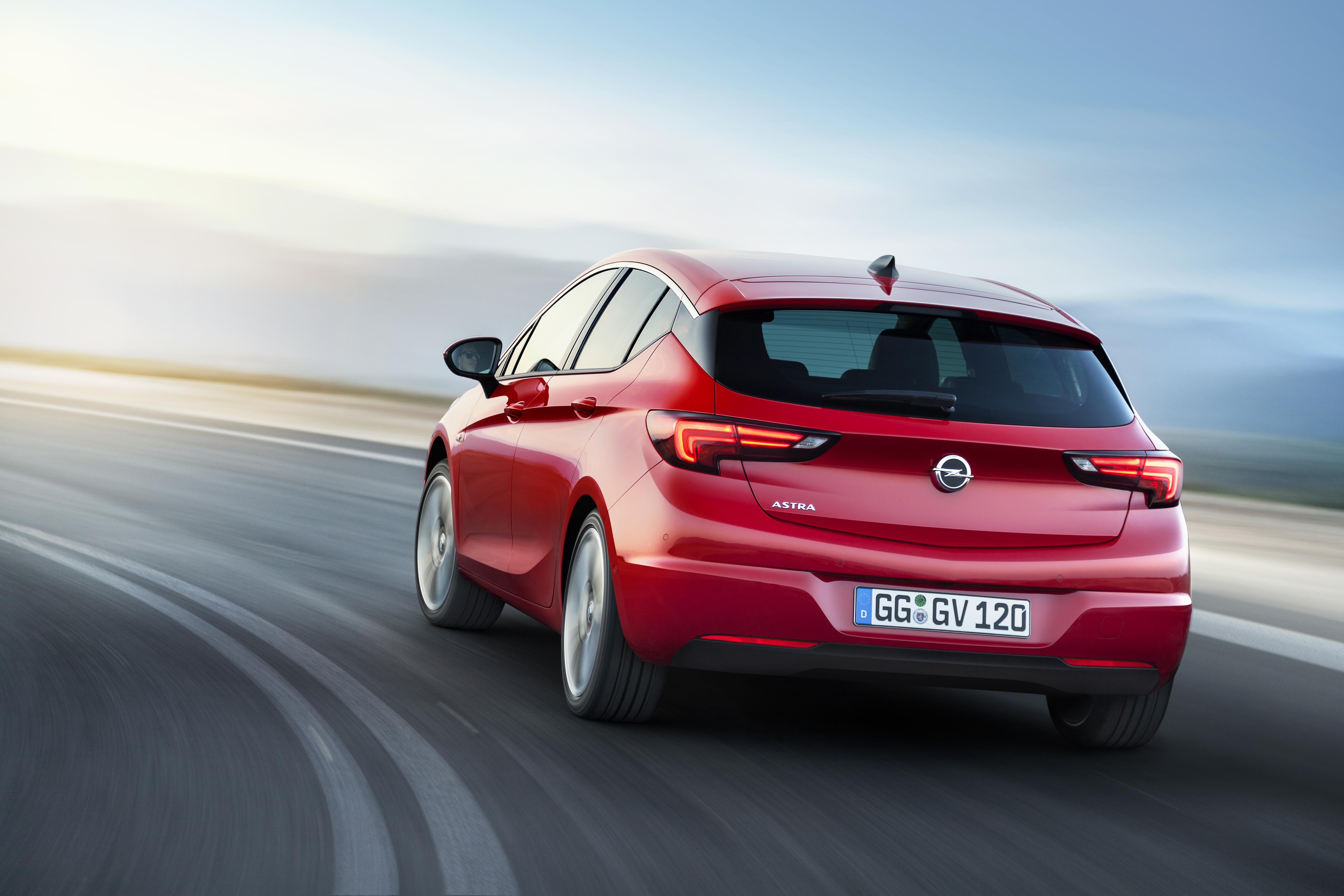 Nuova Opel Astra: nata per divertire