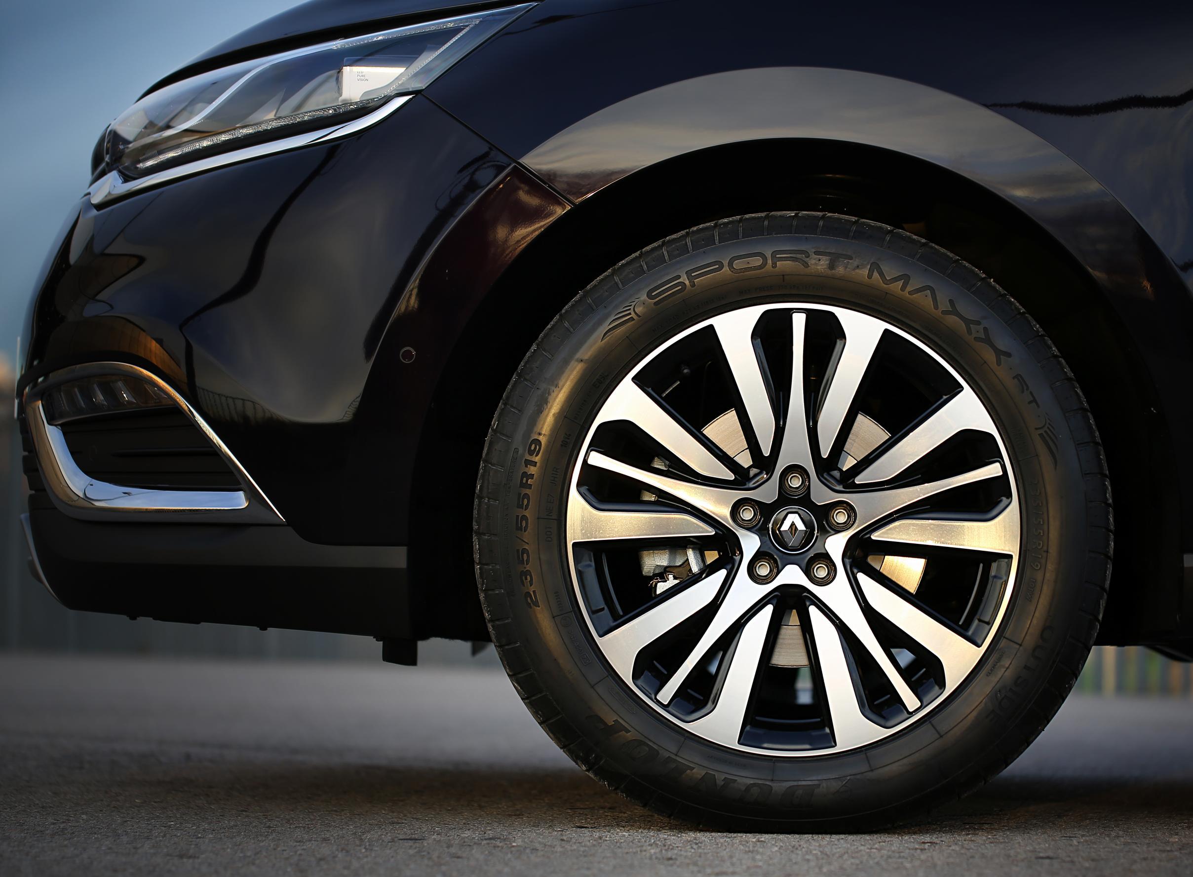 Renault Espace sceglie Dunlop