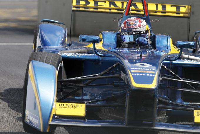 Button e Kimi bocciano la Formula E