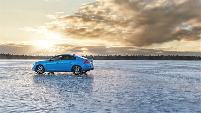 Volvo Cars acquisisce il 100% di Polestar