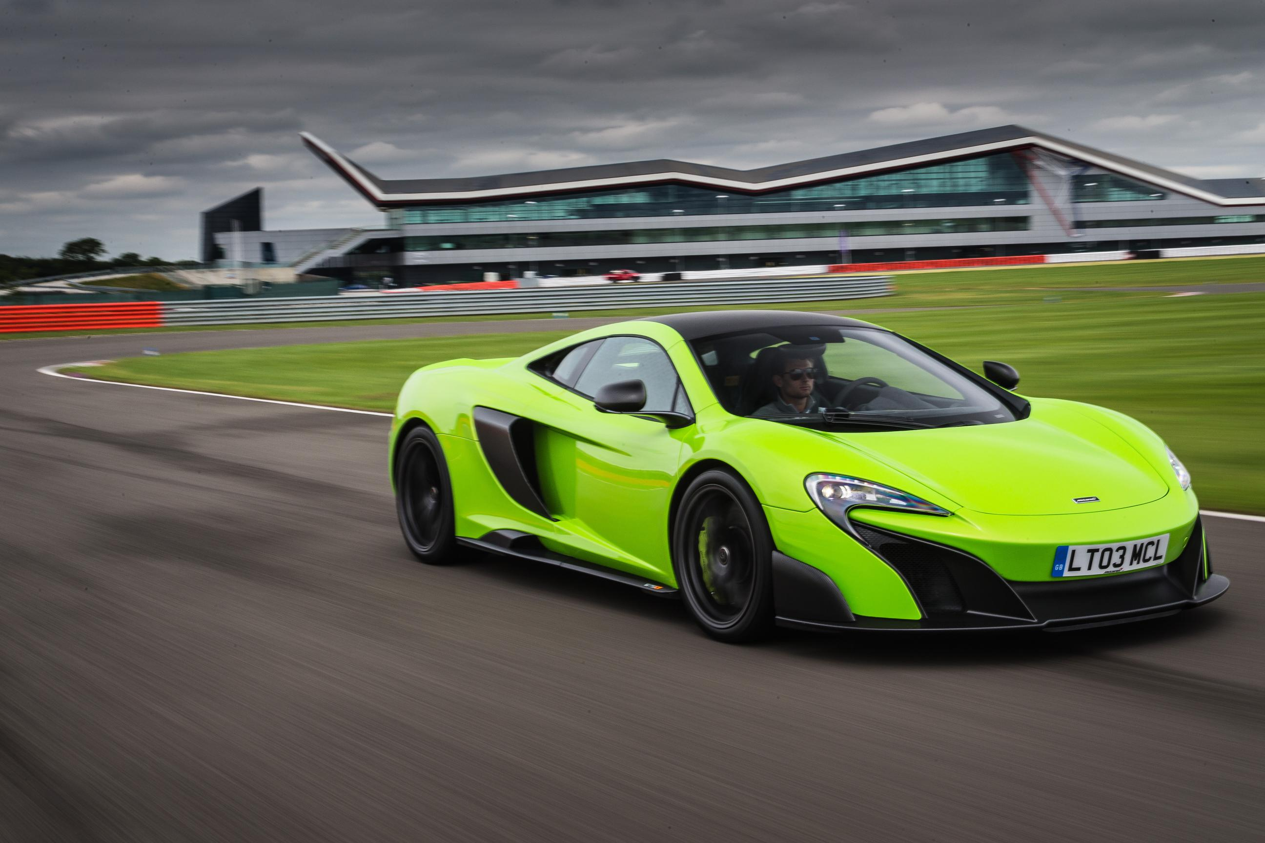 McLaren 675LT: power!