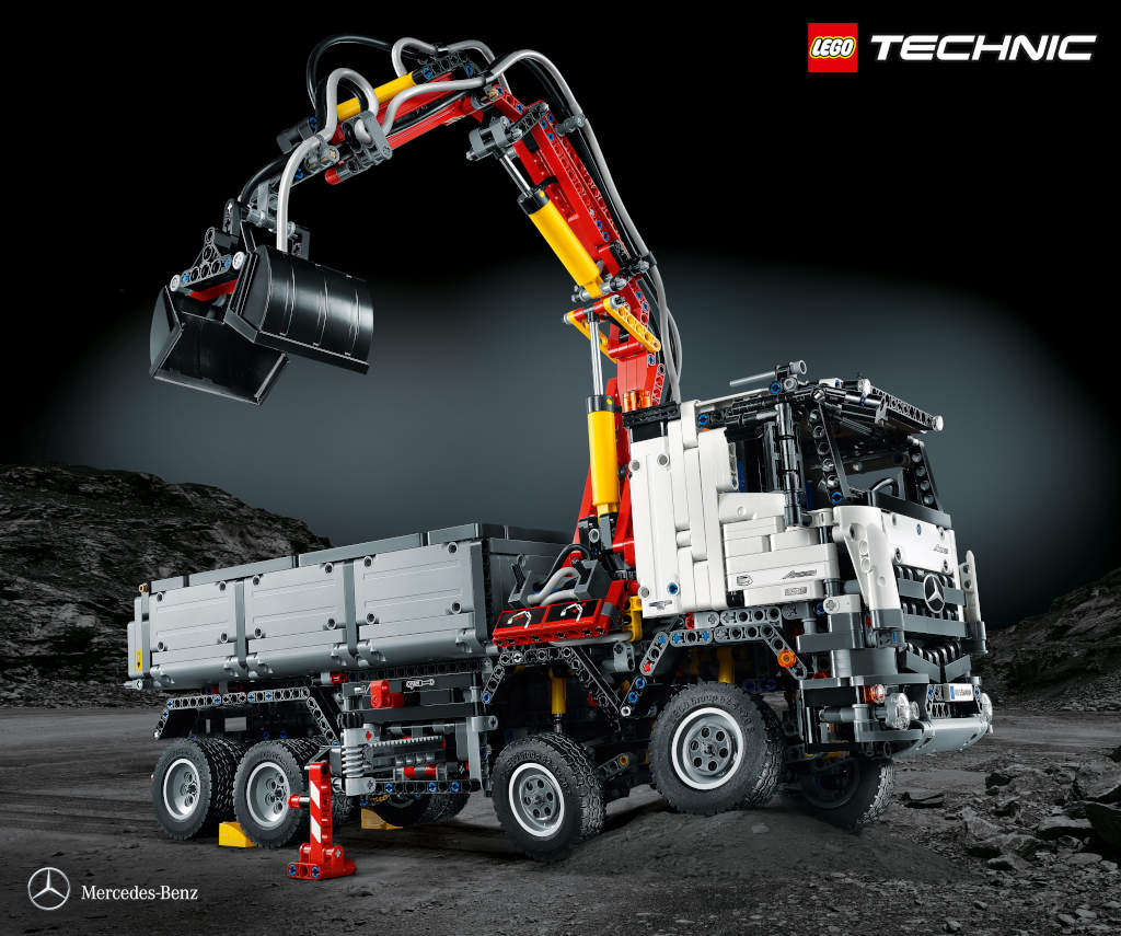 Mercedes e LEGO: un Arocs di 'mattoncini'