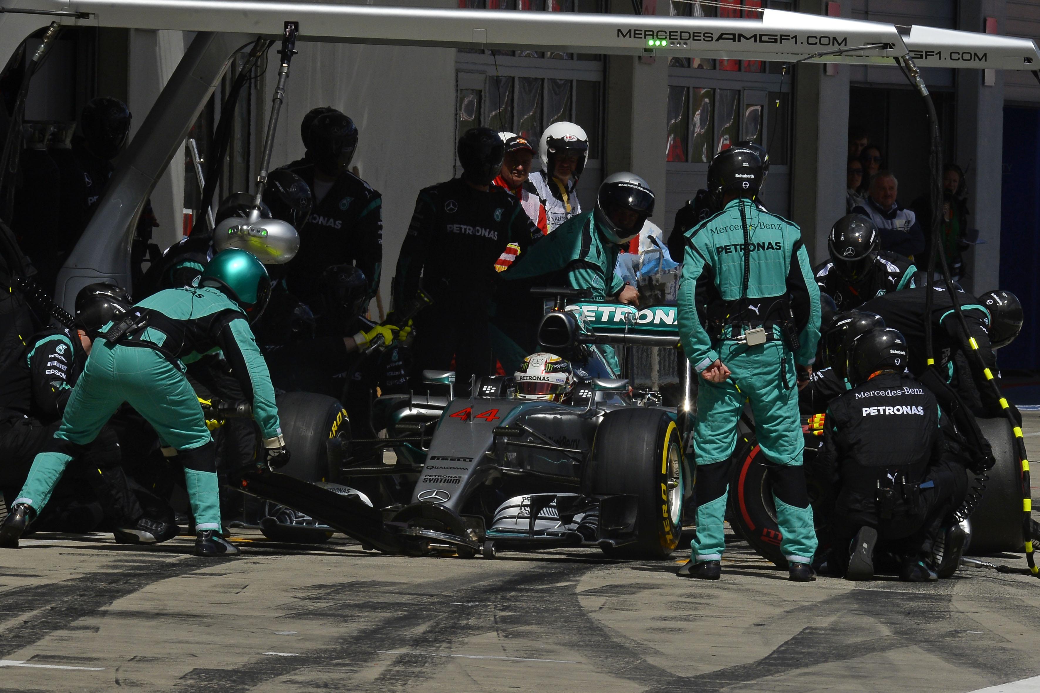 F1: stop ai finti pitstop