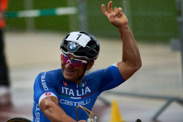 Zanardi wins gold at the UCI Para-cycling