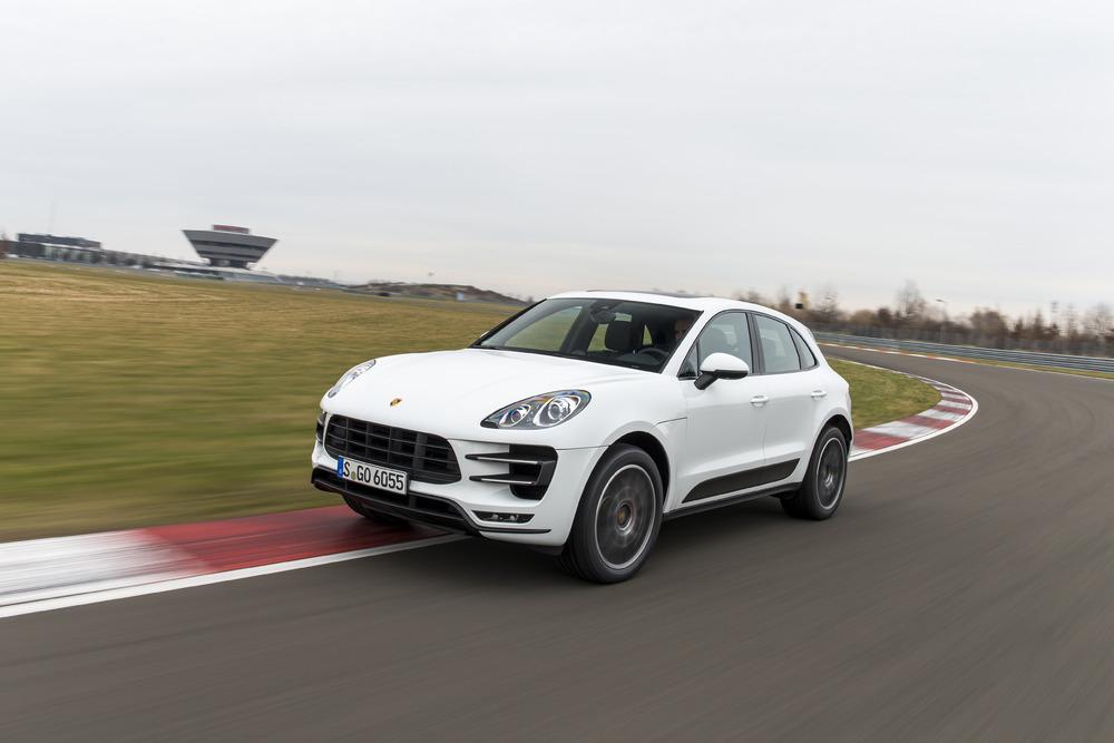 Porsche: a giugno quasi 21mila consegne