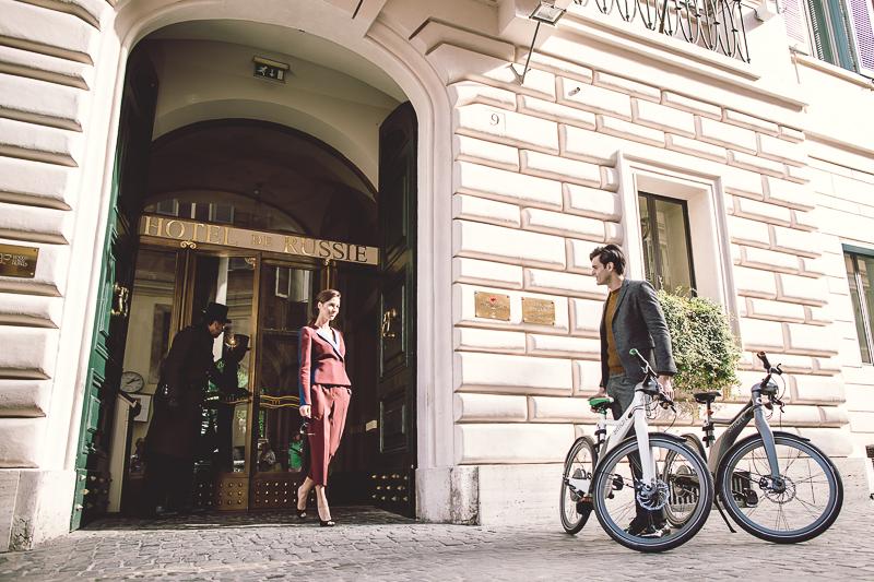 Roma in bici con smart e Hotel de Russie