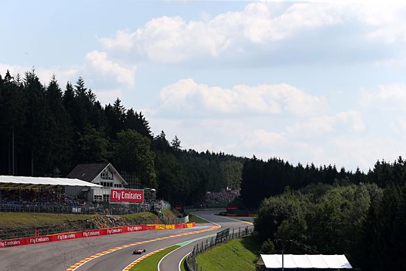 La FIA rimuove i nuovi cordoli all'Eau Rouge