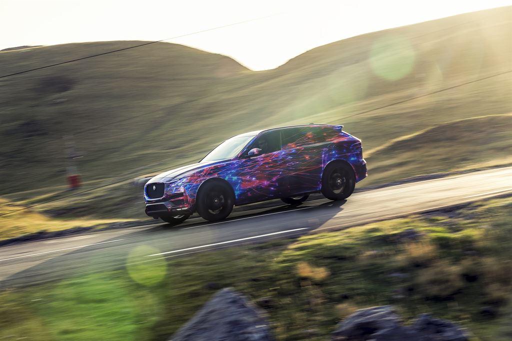 Jaguar F-PACE: guidabilità al top