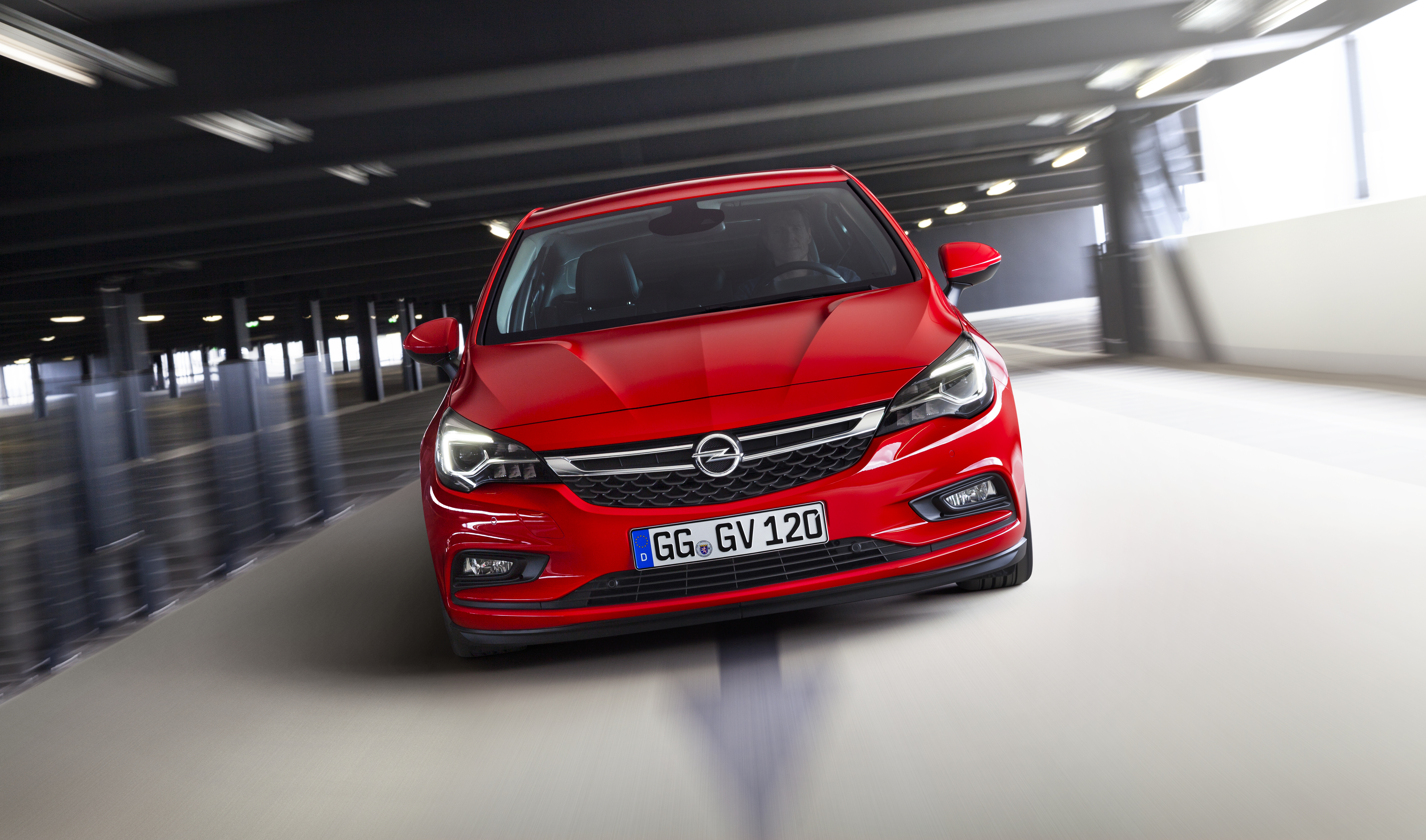 Nuova Opel Astra: leggerissima!