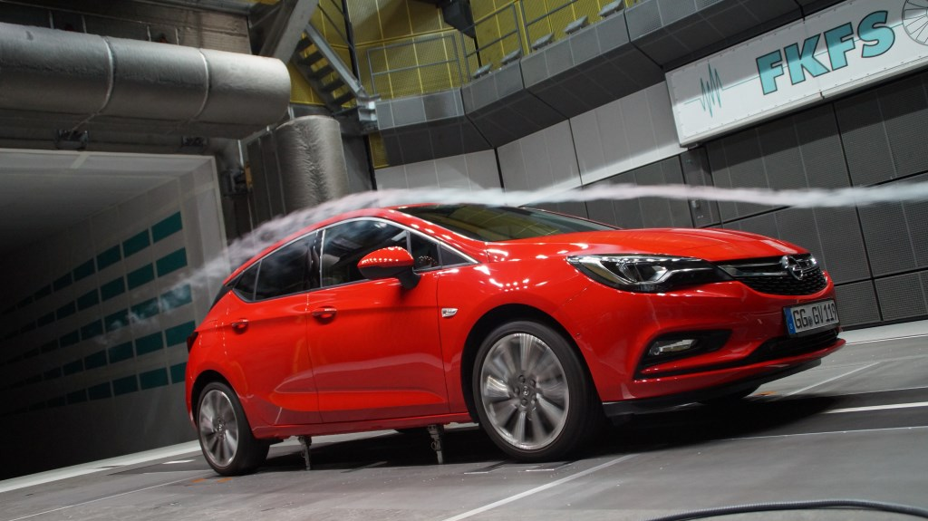 Opel Astra: aerodinamica e massima efficienza