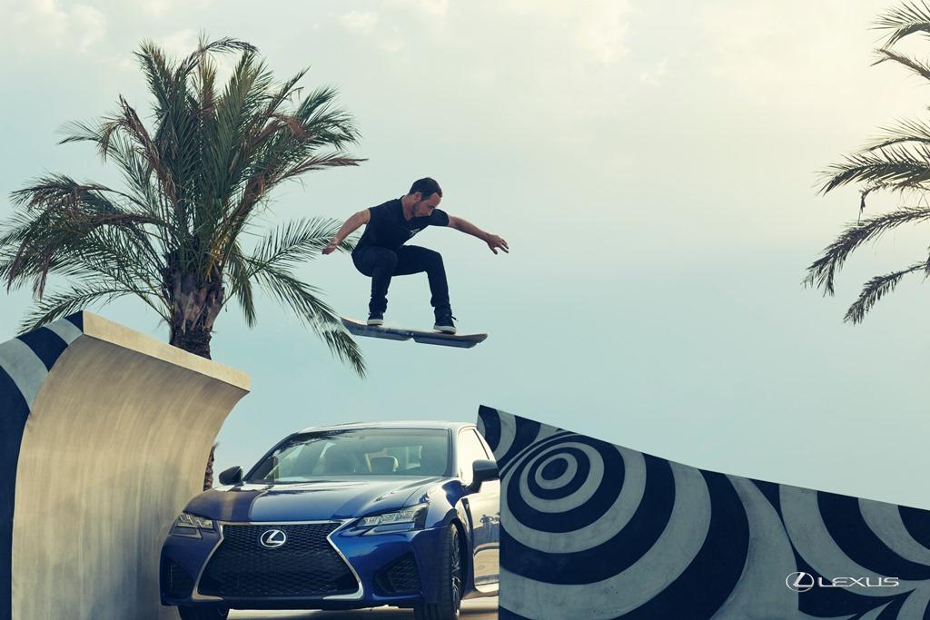 Lexus Hoverboard in azione