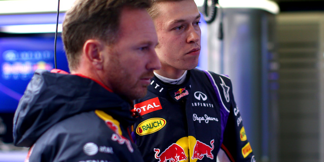 Kvyat staying at Red Bull in 2016