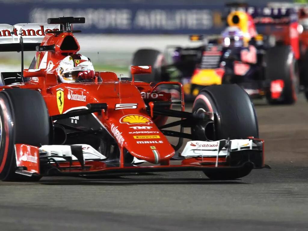 Singapore: Vettel trionfa, ko per Hamilton