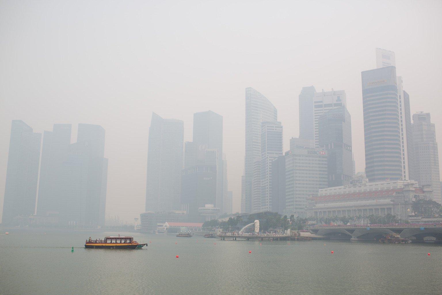 Singapore: giallo-inquinamento