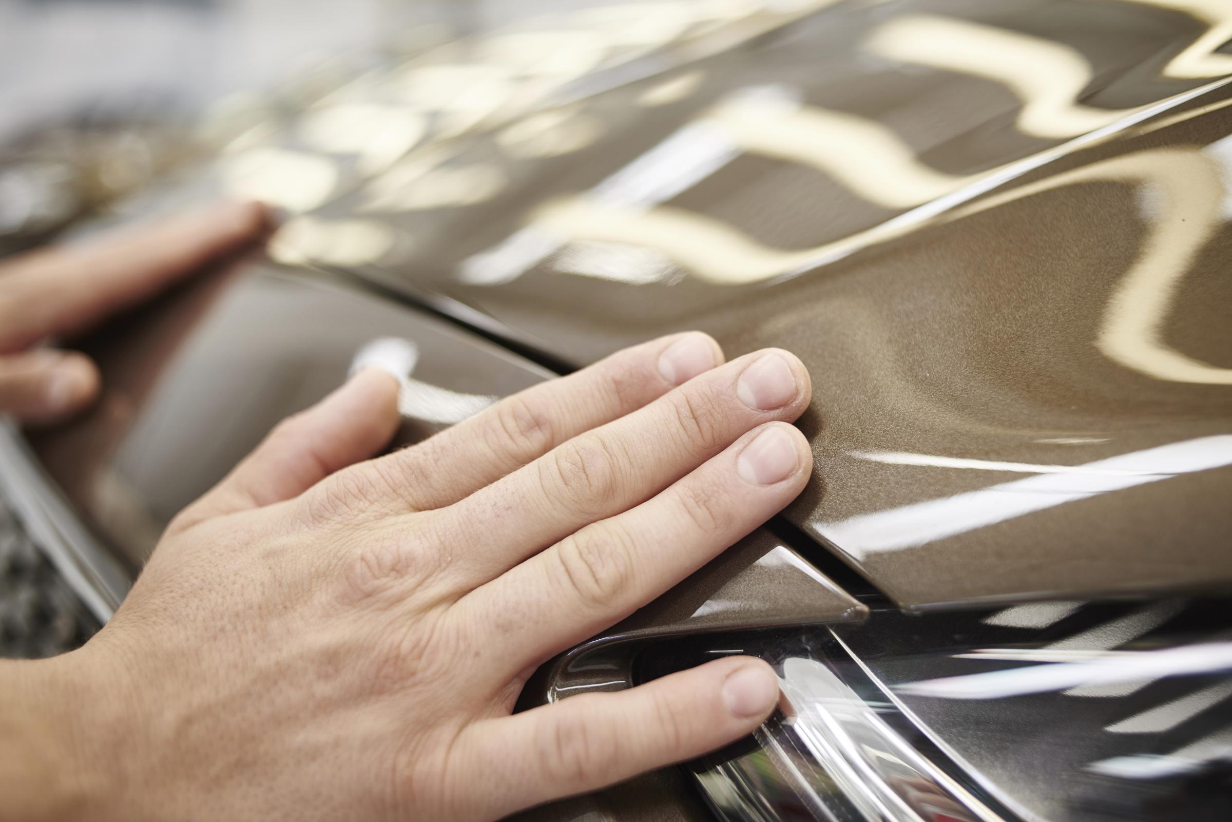 Ford: la verniciatura, dal laser alle piume