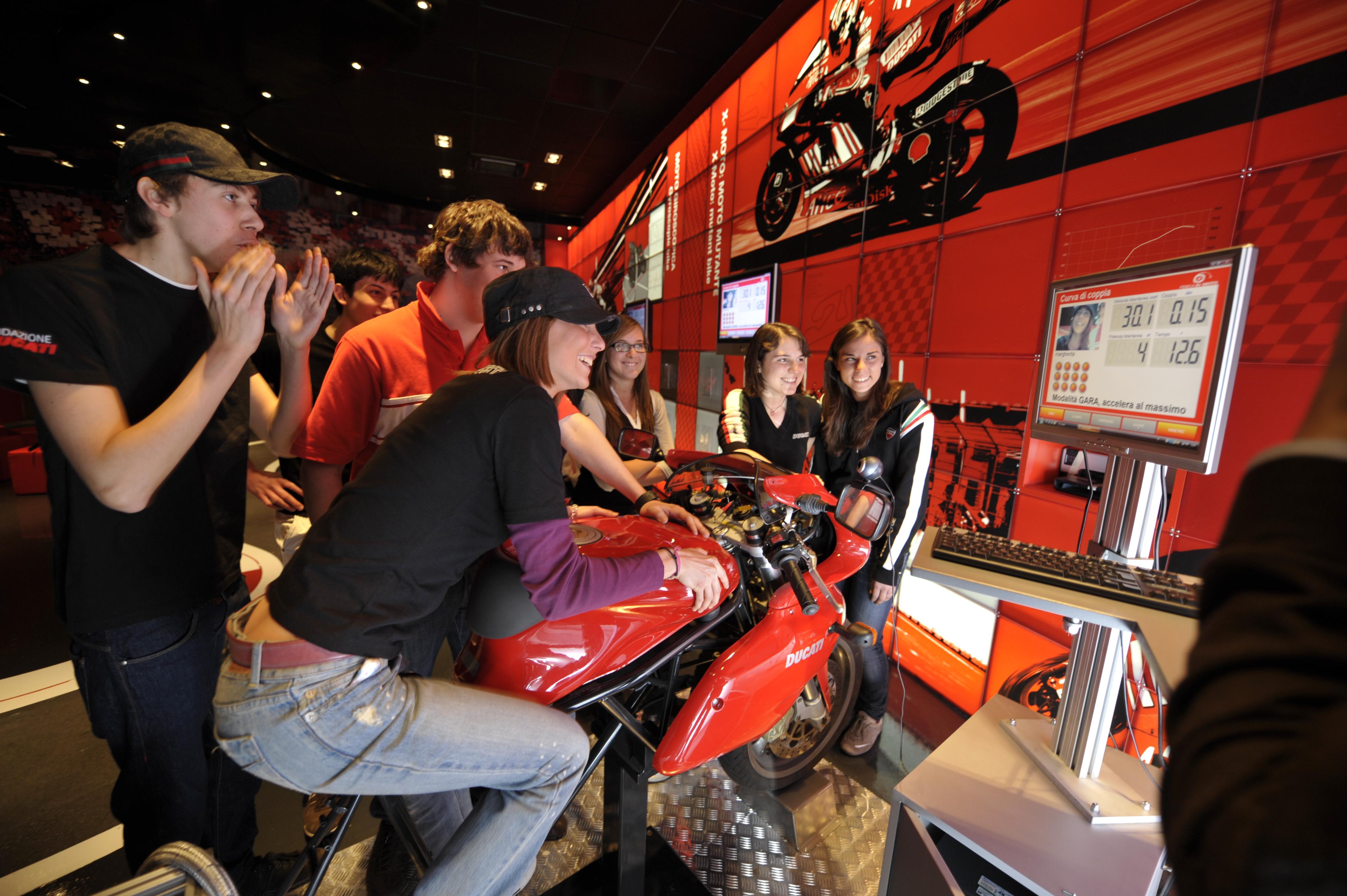 """Ducati: """"Fisica in Moto"""" al Festival della Scienza"""