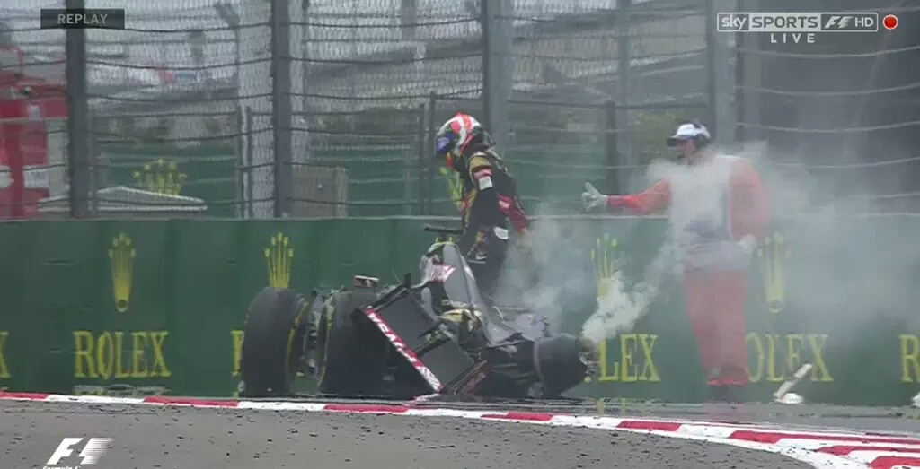 Grosjean: sedile rotto nell'impatto