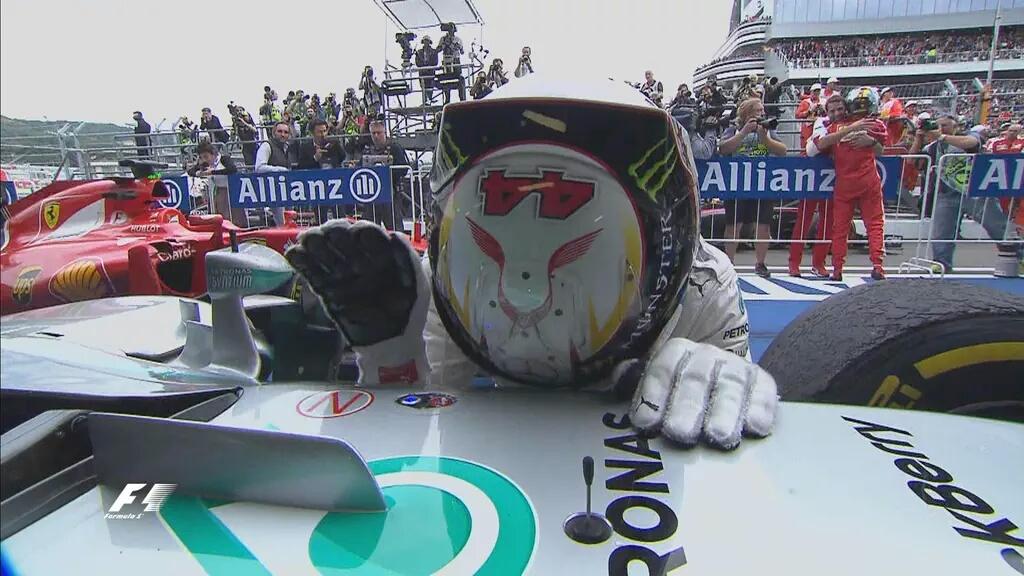 Russia: dominio Hamilton, Mercedes Campione