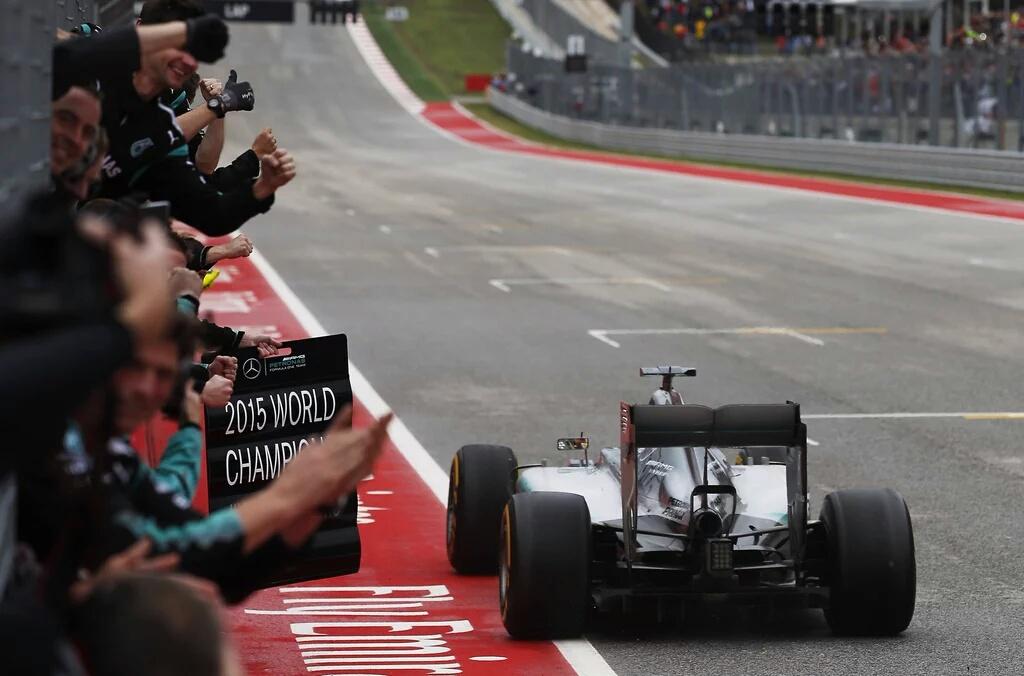 USA: Lewis Hamilton tre volte Campione!