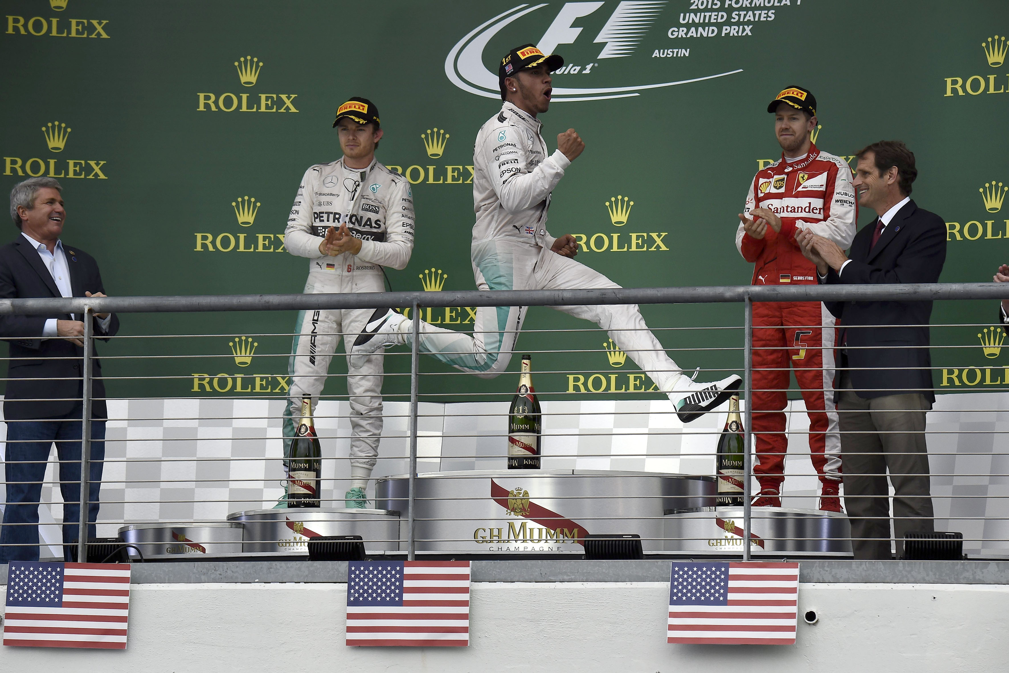 USA: Hamilton con una strategia perfetta