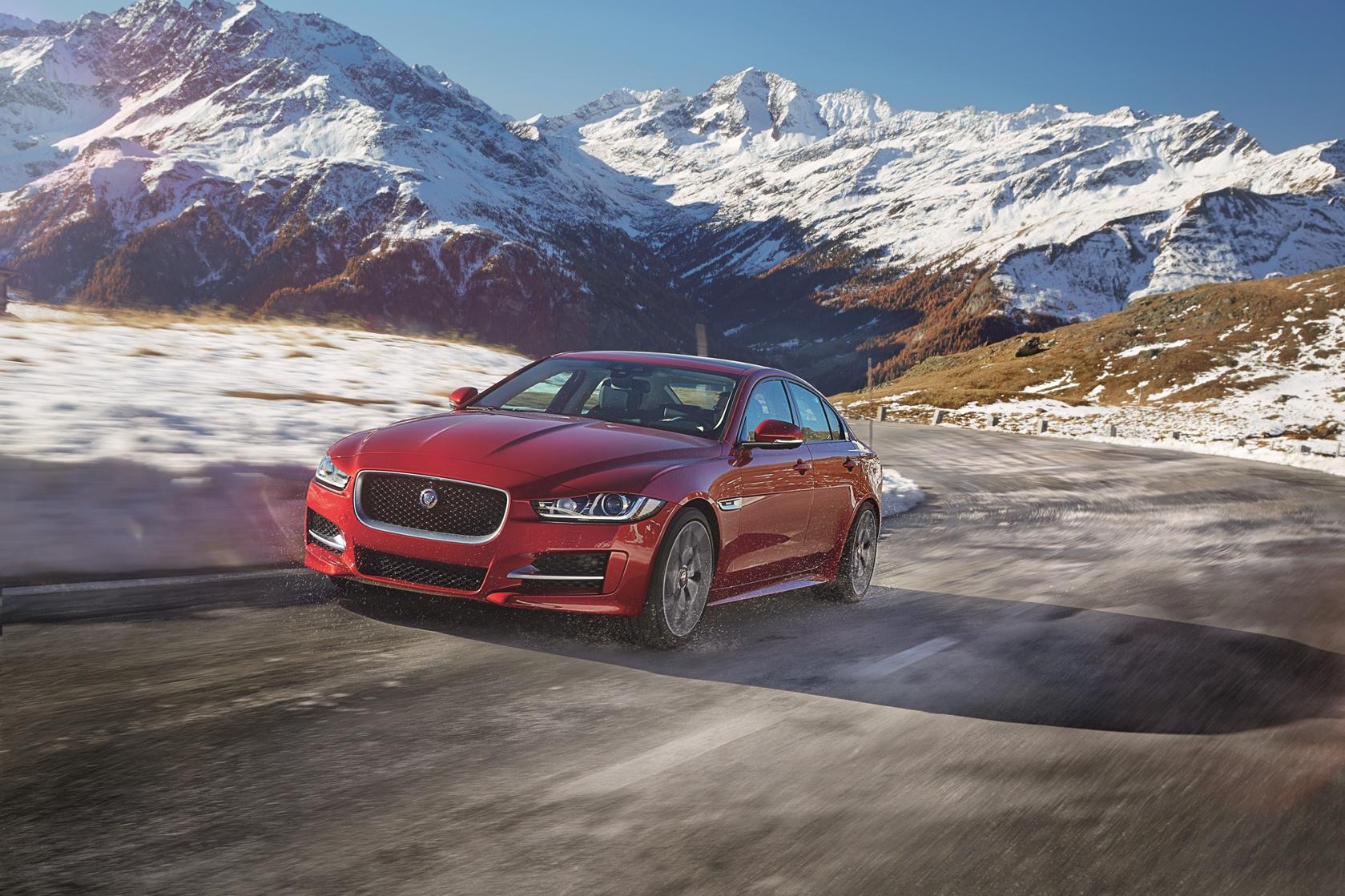 Jaguar XE: trazione integrale e altre novità