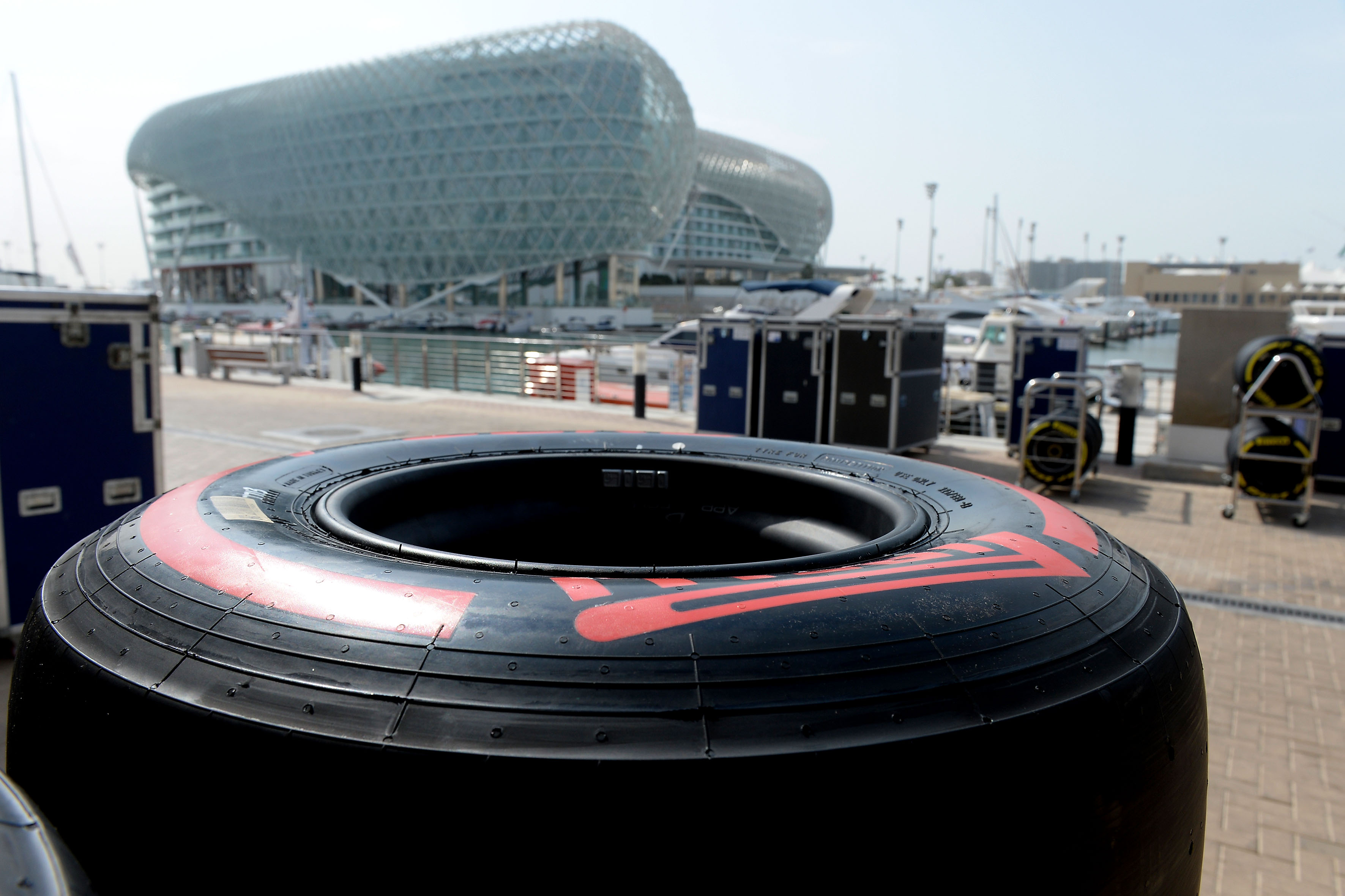 Abu Dhabi: si torna in pista per i test pneumatici