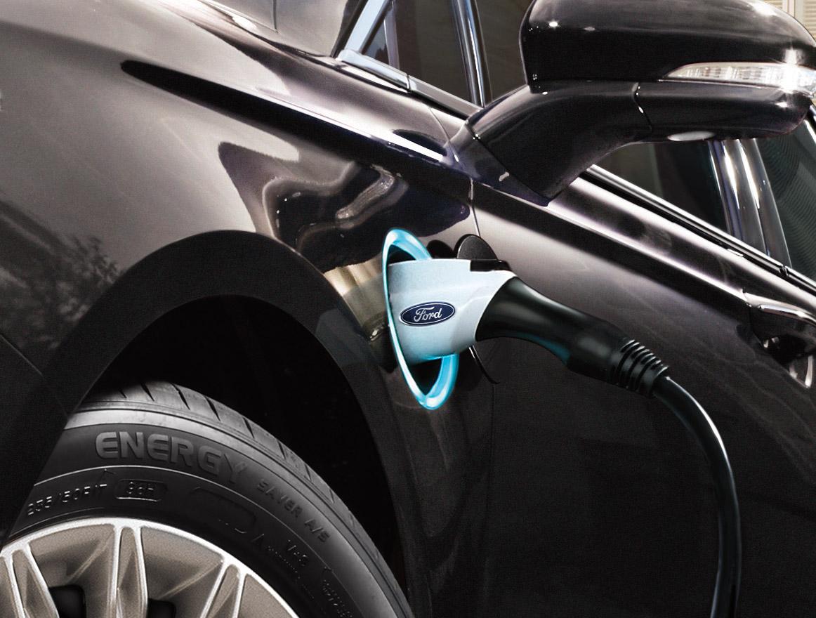 Ford investe sull'elettrico