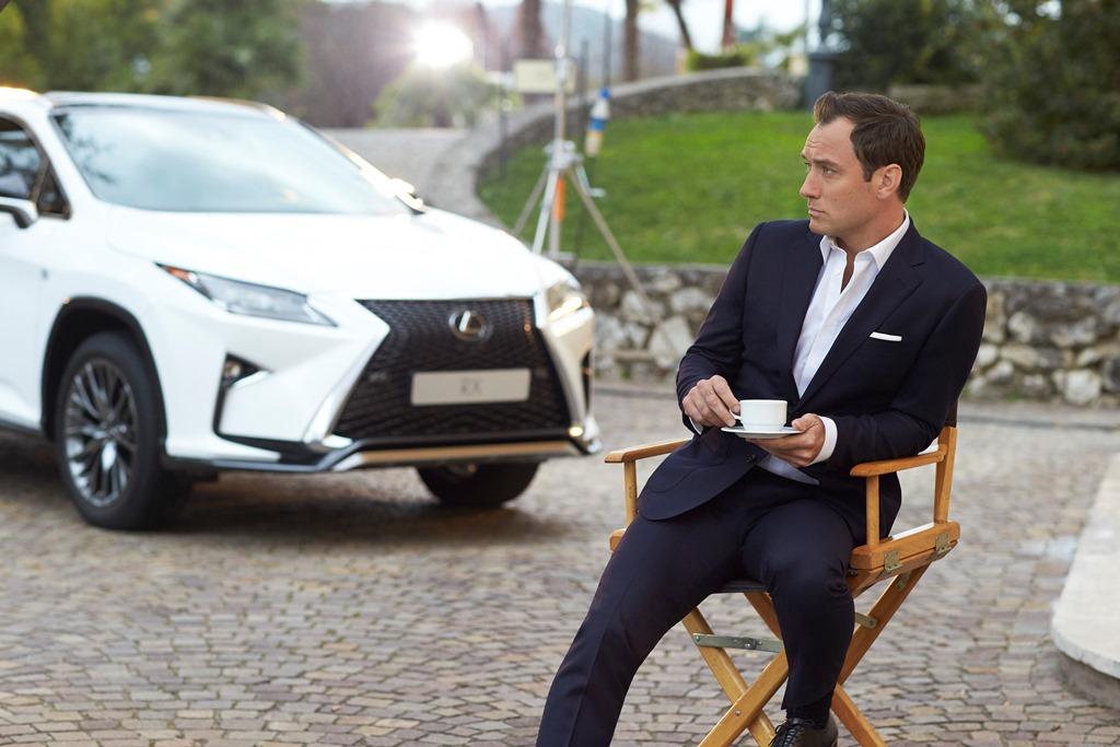 """Jude Law e Lexus per """"The Life RX"""""""