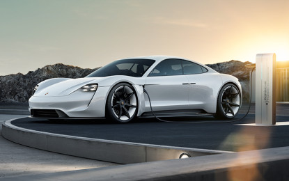 Porsche: semaforo verde per Mission E